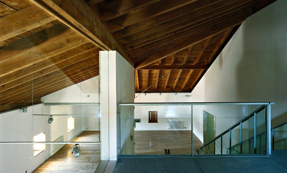 apezteguia architects_mendibile_llegada bajocubierta