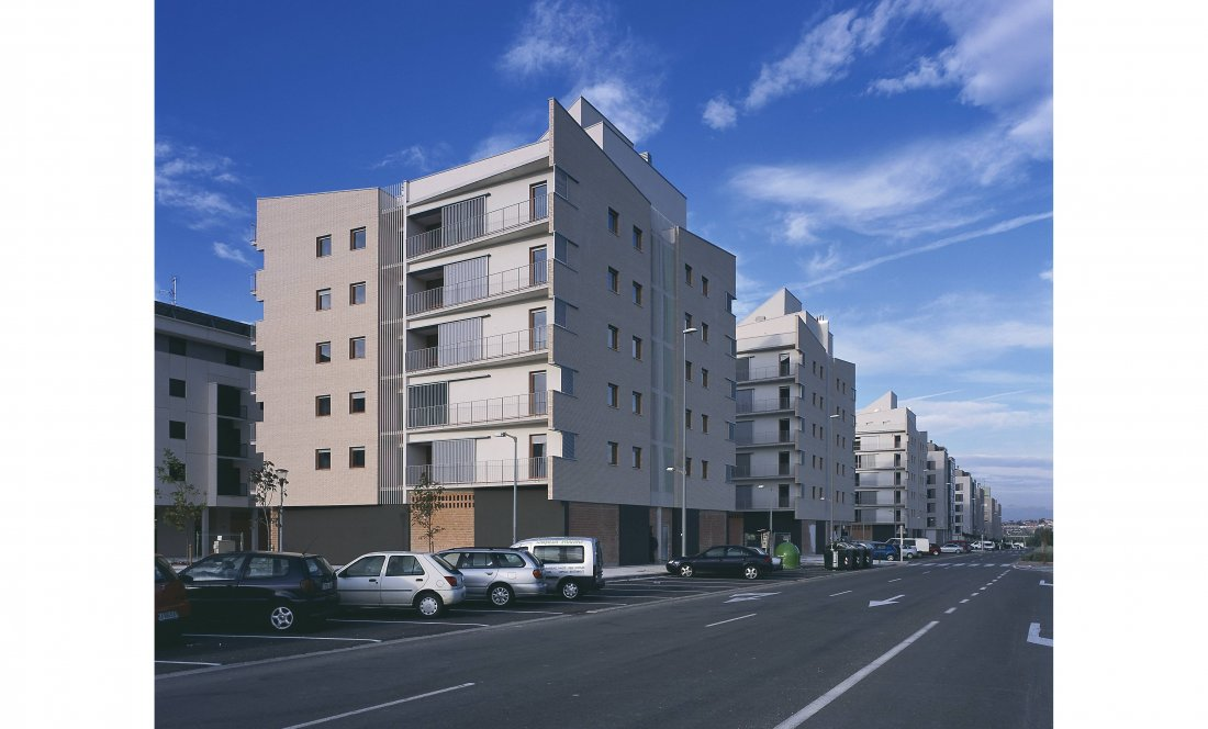 vista exterior 3. 66VPO Sarriguren. Apezteguia Architects