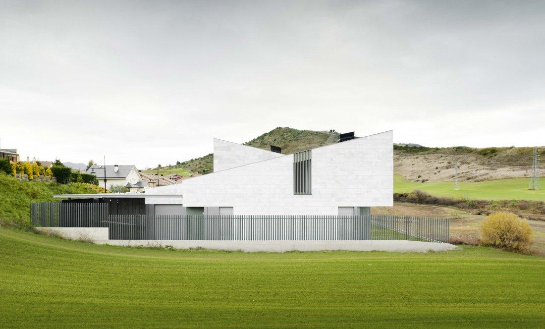 Vista exterior 03 Gorraiz. Apezteguia Architects