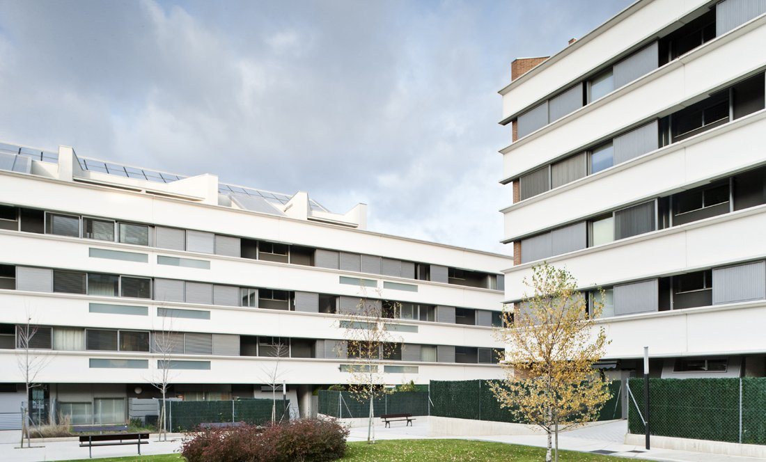 vista exterior 2. 161 VPO Sarriguren. Apezteguia Architects