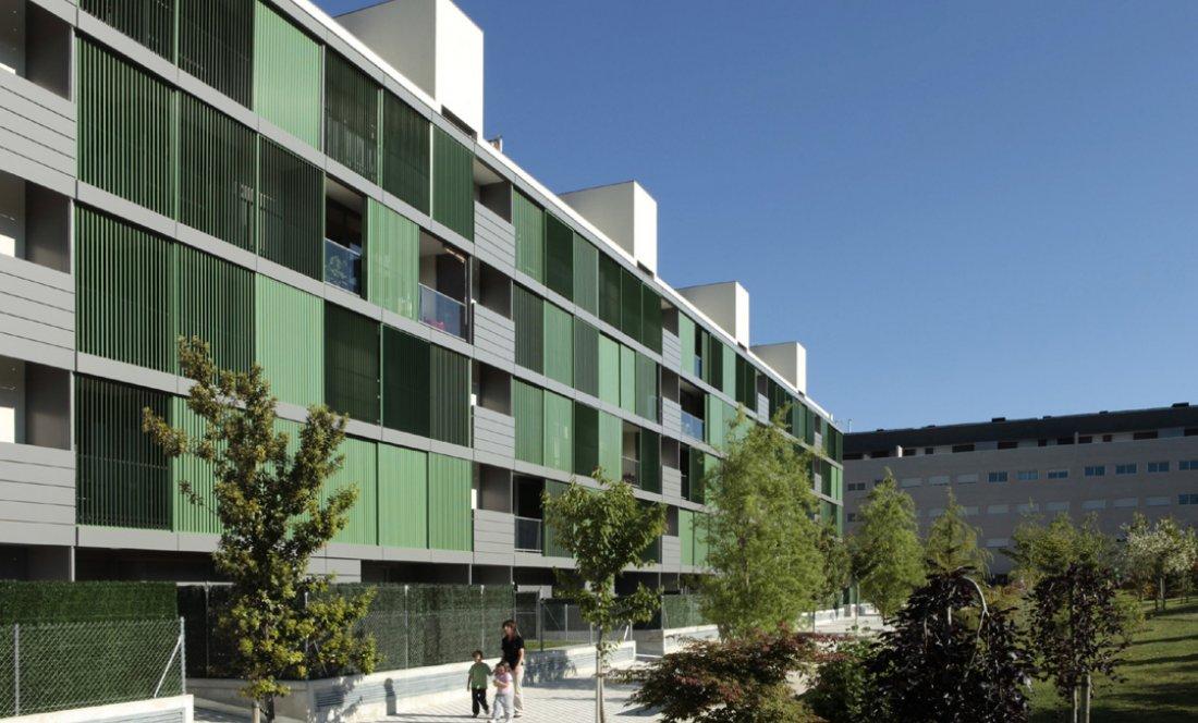 Vista exterior 3. 110 VPO Sarriguren. Apezteguia Architects