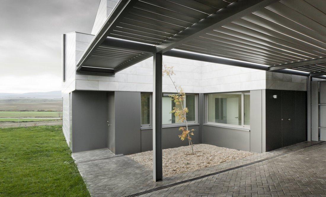 Vista exterior 04 Gorraiz. Apezteguia Architects