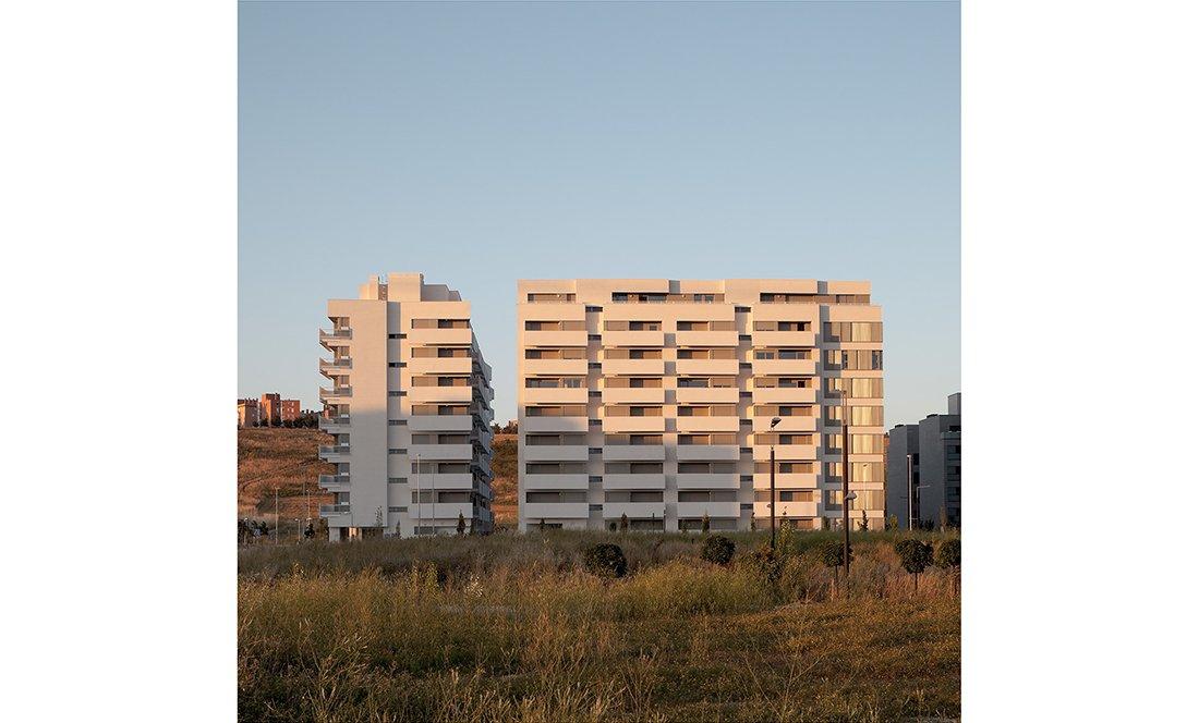 apezteguia architects_145 VPO lezkairu_alzado lejano