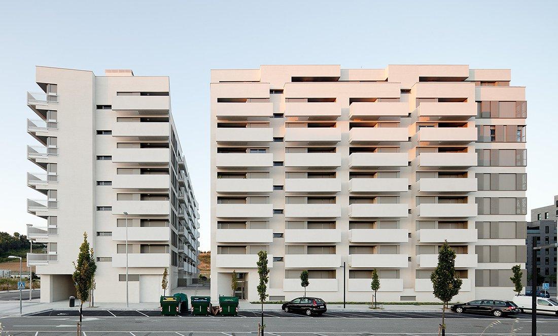 apezteguia architects_145 VPO lezkairu_alzado lateral